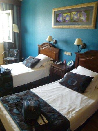 Hotel Bellavista Sevilla: Dormitorio