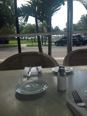 Cassis American Brasserie : view from our table