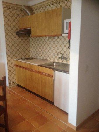 Hotel Apartamentos Mirachoro II: Kitchen