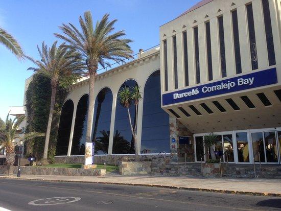 Barcelo Corralejo Bay : Hotel Entrance