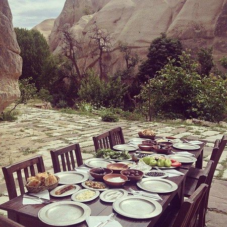 Kelebek Special Cave Hotel: organic breakfast tour