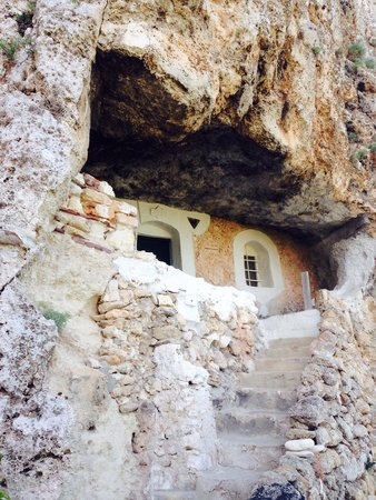 Royal Son Bou Family Club: Houses built into the rocks - this one is from 1910