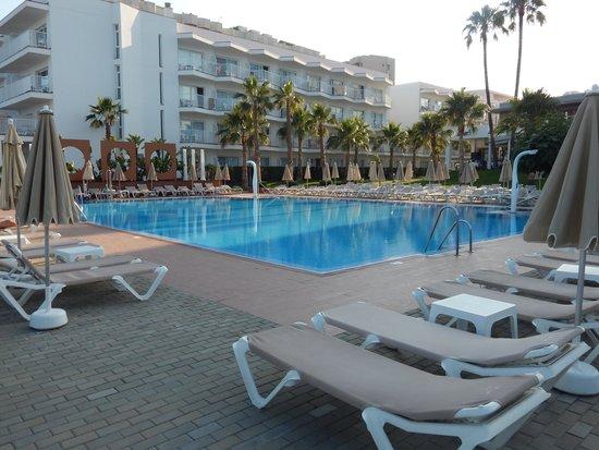 Hotel Riu Nautilus: pool