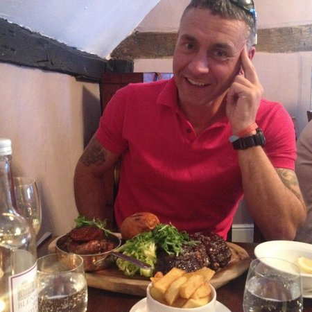 Loxley's Restaurant & Wine Bar: BBQ platter ... Just a small One !