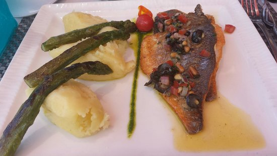 Restaurant Playa Baggia : Filet de dorade