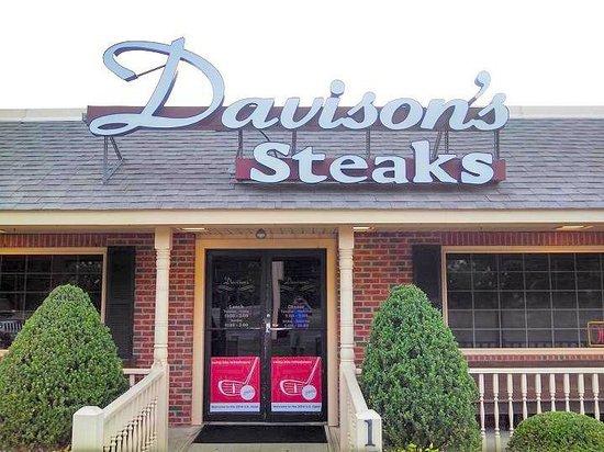 Davison's Steaks: front of restaurant