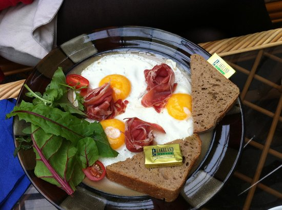 The Jungle Cafe: Fried eggs