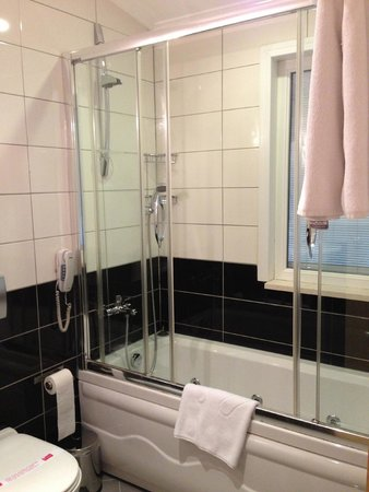 Hotel Seraglio : Shower in Terrace Suite