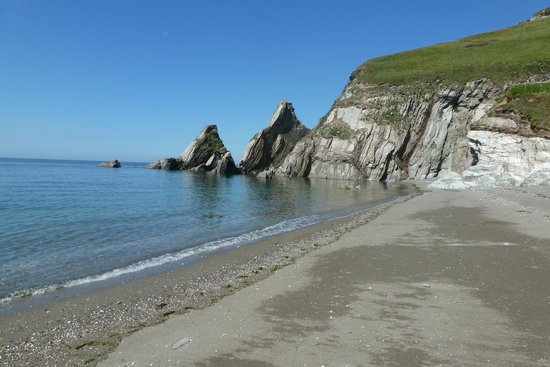 Totnes, UK: Westcombe beach near Kingston