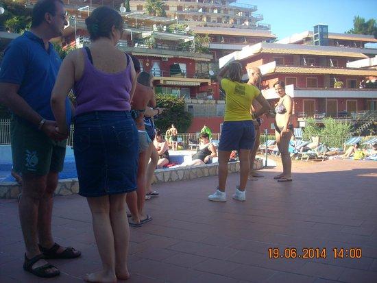 Residence Letojanni : Animazione in piscina