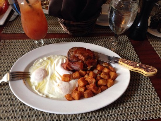 Halls Chophouse: Now that's steak and eggs!
