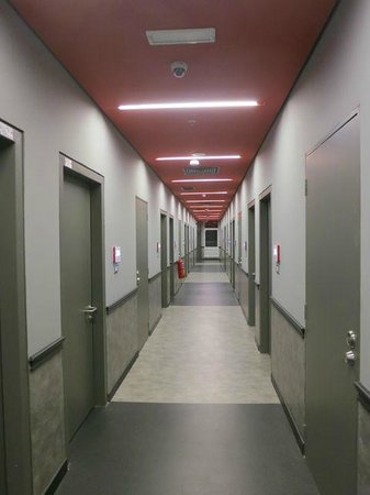 Tune Hotel KLIA 2: Corridor to rooms