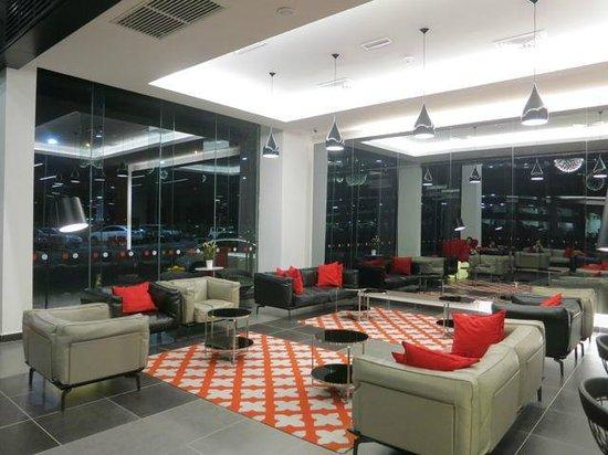 Tune Hotel KLIA 2: Lobby