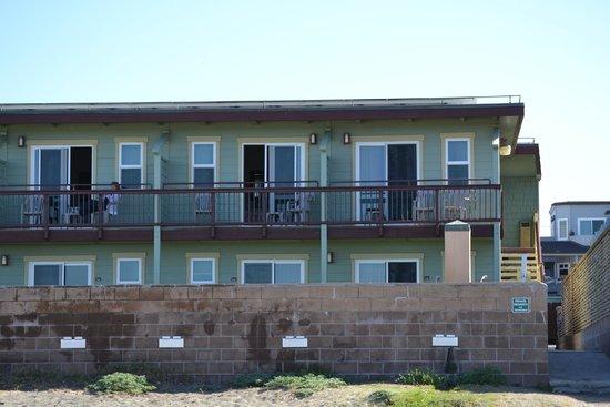 Cayucos Shoreline Inn...on the beach: View from the beach
