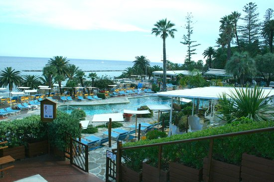 Royal Hotel Sanremo : The swimming pool