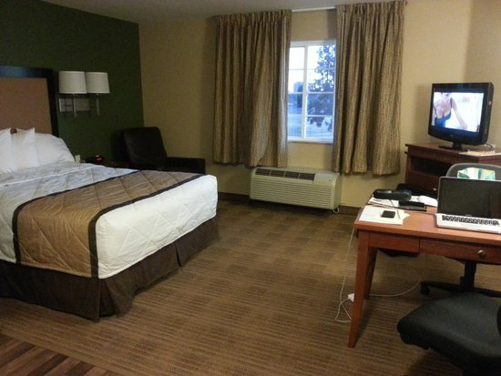 Extended Stay America - Bakersfield - Chester Lane: Bed