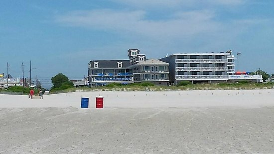 Fleur de Lis Beach Resort : View of the hotel from the beach.