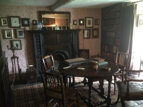 Townend: library with many rare books