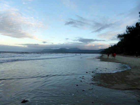 Four Mile Beach: sunset at the beach