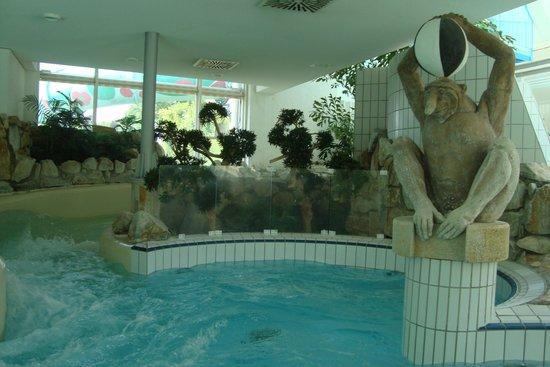 Aquatoll Freizeitbad : Vue sur l'un des toboggans