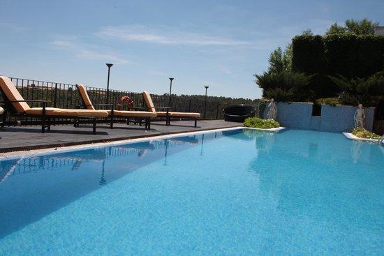 Hotel Palacio Villa de Alarcón & Spa: Piscina con vistas