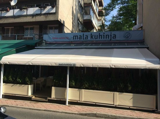 Mala Kuhinja : out side of restaurant
