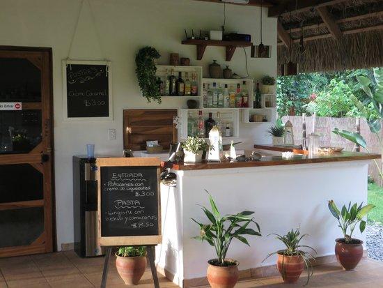 Naturalmente Restaurante Mediterráneo: Theke mit Tagesaktualität