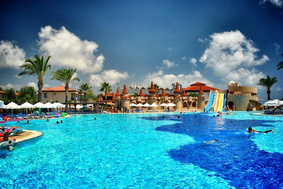 TUI BLUE Palm Garden : Main pool with variety water slides