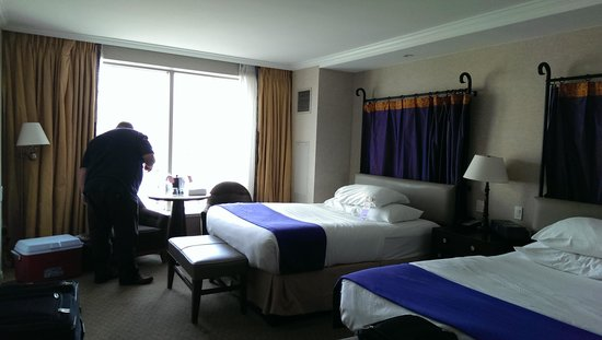 Harrah's New Orleans: Our Room