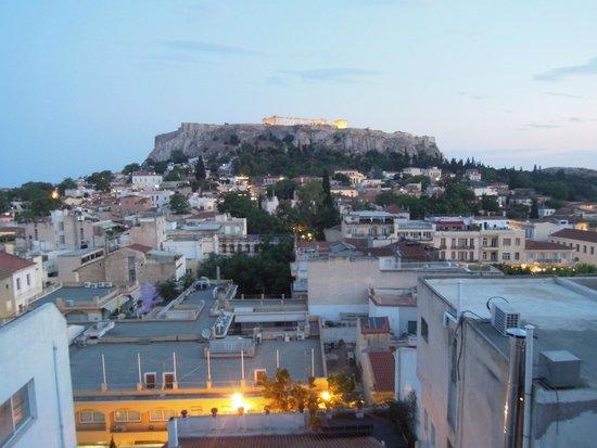 Plaka Hotel: Вид на Акрополь из бара на крыше отеля