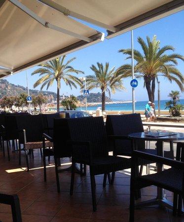 Hotel & Spa Pimar: Летняя веранда бара отеля Pi-mar