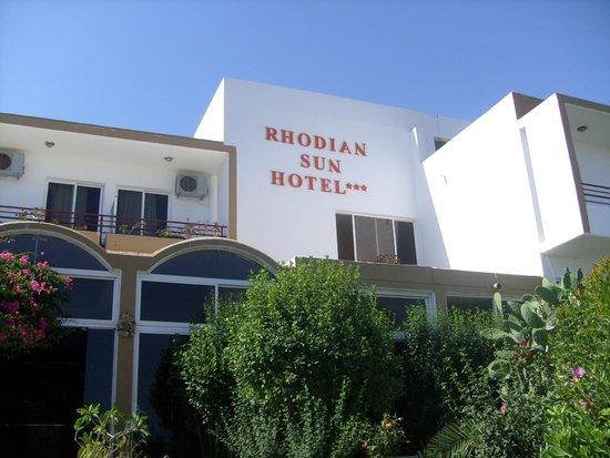 Rhodian Sun Hotel: Front of Hotel
