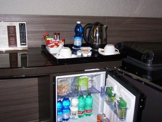 Hotel Artemide: The free food