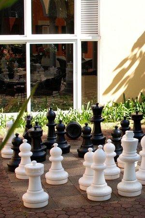 Pestana Miramar : Garden chess