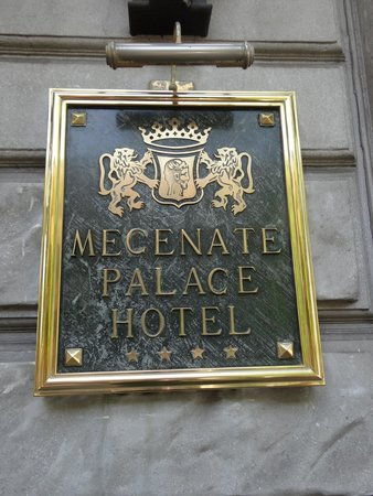 Mecenate Palace: Hotel sign
