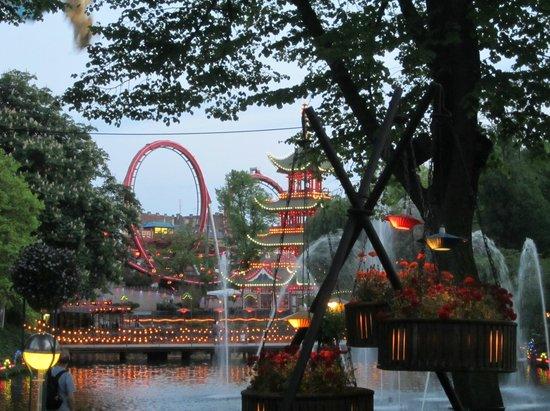 Jardins de Tivoli : Evening brings magic.