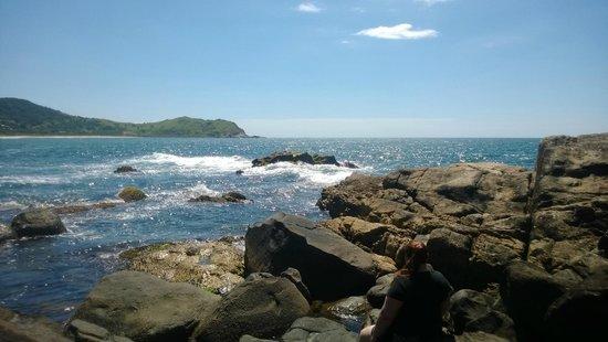 Silveira Beach: Vista das pedras do entorno da Praia da Silveira