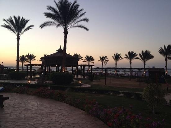 SENTIDO Oriental Dream Resort : sentido al tramonto