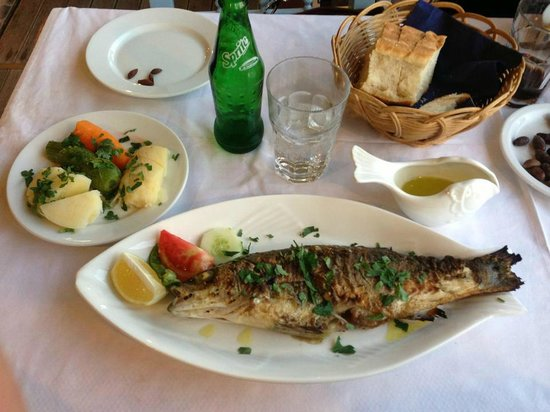 Blue Palace, a Luxury Collection Resort & Spa, Crete : lunch at the restaurant in Plaka