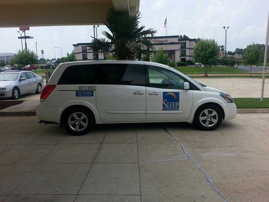 Sleep Inn & Suites Pearl: The not so complimentary airport shuttle. ..
