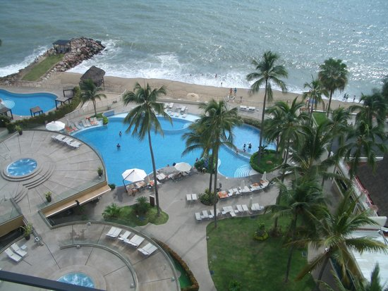 Sunset Plaza Beach Resort & Spa: view from our 10th floor room