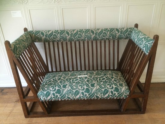 Blackwell Arts and Crafts House : seat