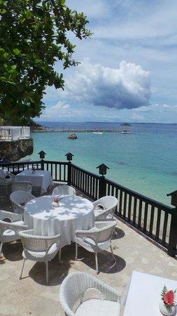 Plantation Bay Resort And Spa : from the balcony of Fiji restaurant