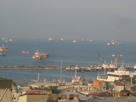 Enderun Hotel Istanbul: Sea of Marmara from our room on the top floor