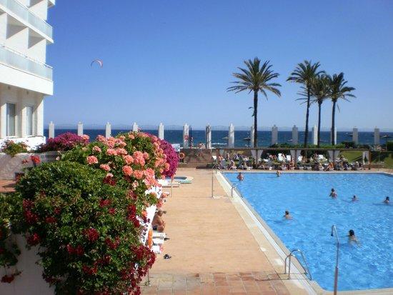 Club Marmara Marbella: piscine pres de la mer