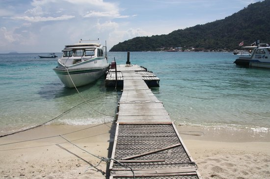 Perhentian Tuna Bay Island Resort: Boot van Universal Diver