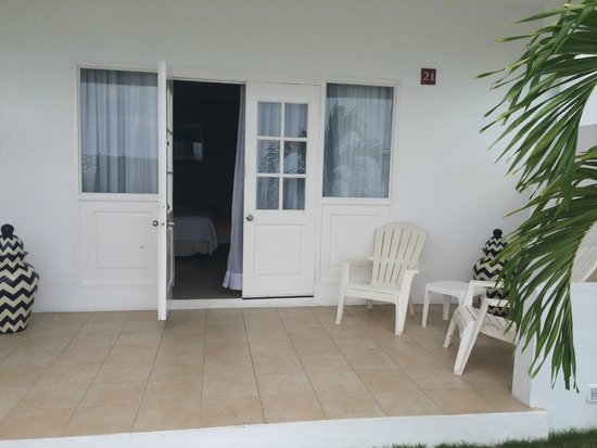Royal Decameron Montego Beach : patio of hotel room