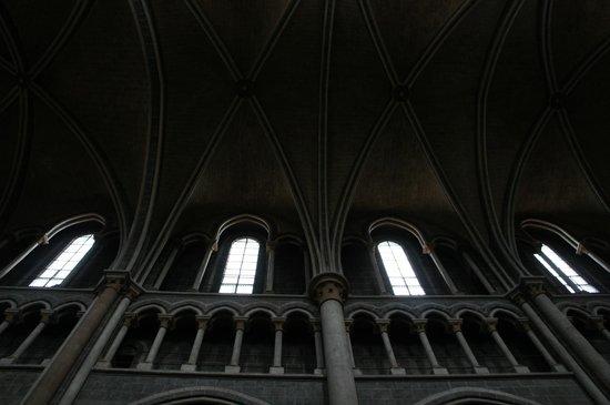 Cathédrale de Lausanne : собор лозанны