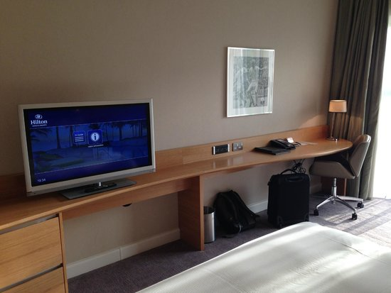 Hilton at St George's Park, Burton upon Trent: Room - lots of workspace