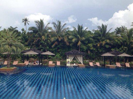 JW Marriott Phuket Resort & Spa: Piscina comum do hotel